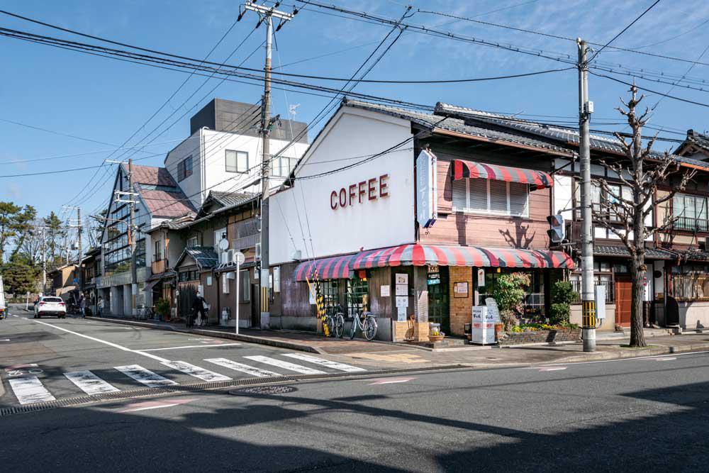 チロル_二条駅東-(2).jpg